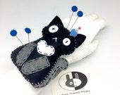 Cat Pincushion bracelet, seamstress tool, felt wristband pincushion, sewing accessory, pin holder, needle cushion