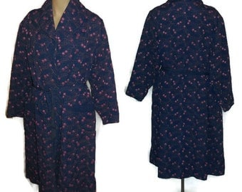 Vintage 1950s Purple Robe Satiny Embroidered Dressing Gown Rockabilly Pinup Housecoat Abstract Pink Cherry Pattern M L
