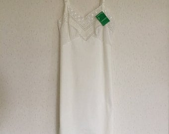 Vintage 50s Cream Nylon Full Slip