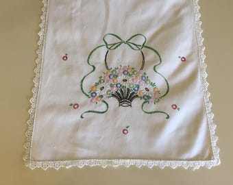 Vintage 40s Hand Embroidered Table Runner