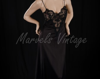 Vintage Olga Lingerie Frivolous Fancies Black Long Nightgown Size Medium Style 9264