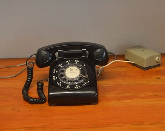 Rotary phone Vintage Western Electric Bell System black rotary dial phone telephone