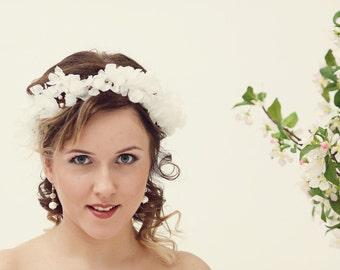 Wedding silk flower crown, Silk flower headpiece, Bridal hair accessories, Flower crown, Pearl flower crown Bridal headpiece
