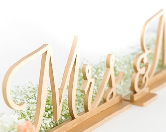 Mr and Mrs Sign, Mr and Mrs, Wedding Signs, Mr and Mrs Signs, Bride and Groom Signs, Sweetheart Table Sign, Reception Decor, Wedding Signs