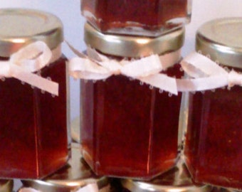 Strawberry Jam favors/ Valentine Wedding/Anniversary/ 25 Favors/ 2 oz Each/ Red Party Favors
