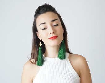 30% Inspiration Green Tassel Earrings Holiday Outfit Holiday Jewelry Girlfriend Dorm Decor Gift For Her Mom Gift Aunt Gift / CHATIO