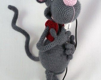 Amigurumi Crochet Pattern - Roberto the Romantic Rat