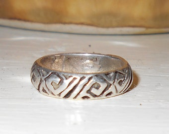 1970s Old Pawn western sterling silver ring Size 6 vintage southwestern band