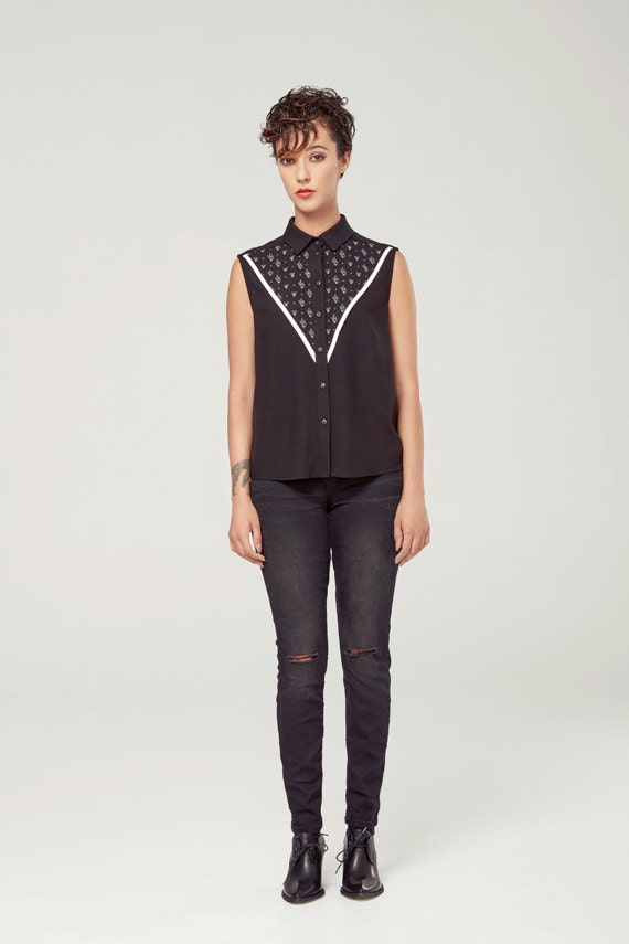 GRAND DUC - sleeveless shirt, blouse for women - white with triangles silkscreen