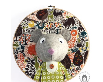 Custom mouse embroidery hoop wall art, 3D mouse portrait, 3D wall art, nursery decor, animal portrait, wall hanging, woodland themed room