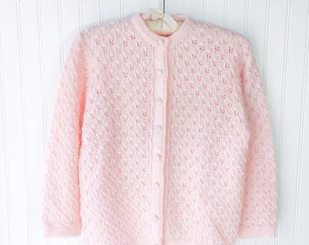 baby pink acrylic sweater cardigan / vtg 50s pinup top / cute pink vintage cardigan / pale pink knitted sweater