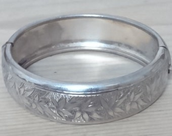 Vintage sterling silver engraved bangle