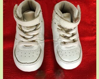 Very Rare 80's Vintage High Top REEBOK'S Baby SHOES- Size 1  *COLLECTIBLE*  Clean Vintage Baby SpEcIal