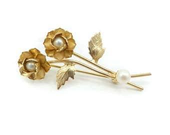 Vintage Flower Brooch, Faux Pearls, Gold Tone