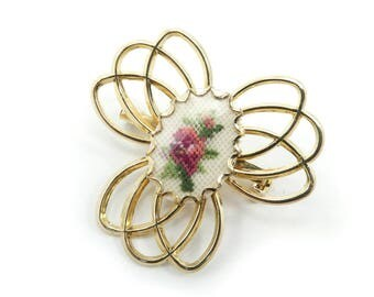 Vintage Needlepoint Brooch, Pink Rose, Gold Tone