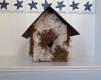 Charming Rustic Birdhouse