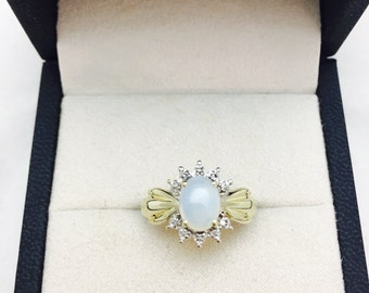 Vintage 10K Gold Opal and Diamond Ring - Size 7 - 2.3 Grams