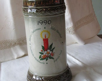 GERZ CHRISTMAS STEIN 1990 West Germany Joyeux Noel Feliz Navidad Crockery Pottery Merry Christmas Red Candle Embossed Braid