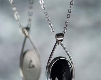 Silver Oval Onyx Pendant