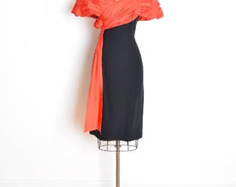 vintage 80s dress, 80s party dress, 80s prom dress, off shoulder dress, black red dress, red satin, short prom dress, 80s clothing, M medium