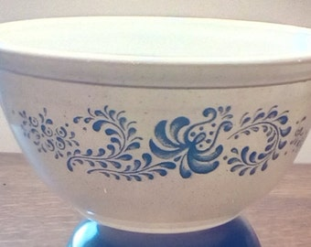SALE reduced 20% 2 Vintage Pyrex Homestead pattern size 402 bowls, Small mixing bowls, Nesting bowls, Vintage serving bowls, Vintage dining