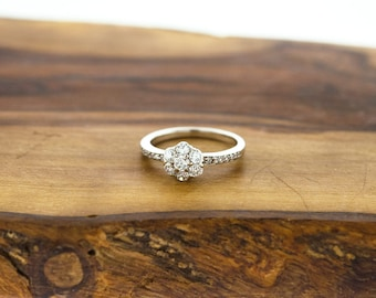 925 Sterling Silver CZ Flower Ring