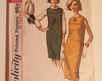 Simplicity 5537 1960s Sewing Pattern / Shift Dress and Blouse / Size 10 Bust 31""