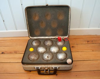 Vintage petanque balls - Old french boules - Bowls - Cardboard suitcase - Industrial decor - Vintage outdoor game - Jack