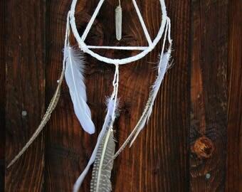 Triangle dream catcher. White triangle dreamcatcher. Nursery decor. Home decor. Gift idea.