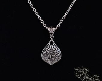 """Necklace """"Spiritus"""""""