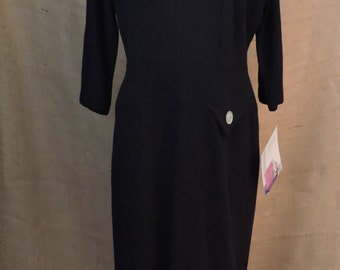 New Listing** - 2762 - Vintage Day Dress Size L Black Solid 3/4 Sleeves Knee Length Wool 1960s