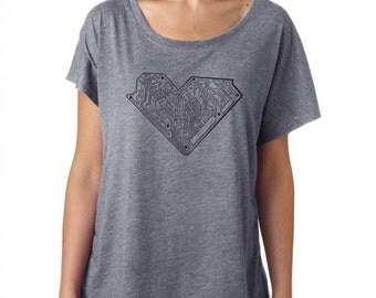 Graphic Tee - I HEART TECH Shirt - Technology Shirt - Tech Girl - Techy Gift - Womens Loose Fit T-shirt - valentines day gift