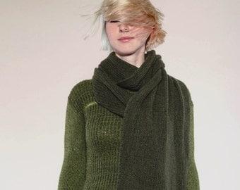 """olive-green Cashmere shawl """"VARMA BRAKUMO"""" vonHirschhausen hand knitted scarf in cashmere, exclusive cashmere fair organic, sustainable"""