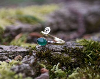 Adjustable finger or toe ring with semi precious stone