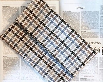 Houndstooth foldover clutch, elegant magnetic claps