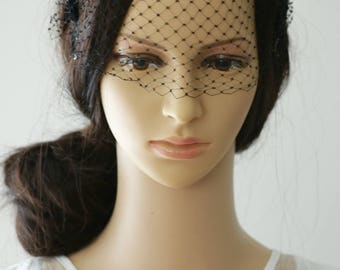SALE - Vintage Black Headband Veil