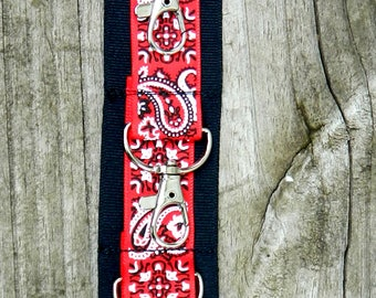 Red Paisley Bow Holder