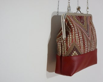 Charlie clutch (red weave print & faux leather)