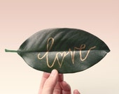 Preserved magnolia leaves - 30+ leaves, Gold or Silver Pen add-on, natural wedding decor, DIY place cards, table numbers, leaf place cards
