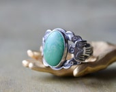 Southwestern Sterling Silver Green Turquoise Ring, 1950's Silver Rings, Gifts for Girls, Vintage Turquoise Ring, Thunderbird Pattern Ring