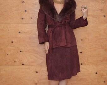 Vintage 70's Stunning Mauve Suede Suit (Skirt/Coat) Fur Collar SZ M