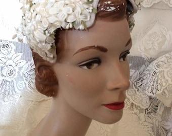 Vintage 1950s 1960s Hat Off White Floral