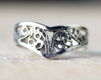 Vintage Silver Ring Sterling Silver Filigree Jewellery Wishbone Ladies English 925 Solid Hallmarked FREE SHIPPING Size I / 4.5