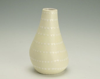 Matte Pale Yellow Vase, Discount for Small Flaw, Pastel Wedding, Beaded Lines, Organic Shape Flower Vase, Yellow and White Pottery Bud Vase