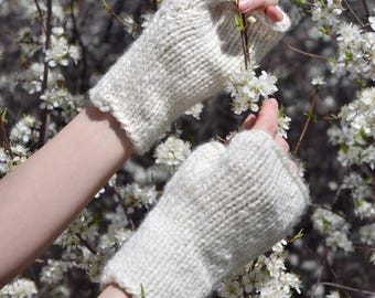SALE: Cream Knit Gloves ⨯ Knitted Wrist Warmers, Women's Fashion Gloves ⨯ Chunky Knit Fingerless Mittens, Gift For Her ⨯ Beige Knit Mitts