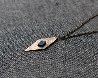 LOSANGO Necklace - Diamond shaped lapis lazuli pendant