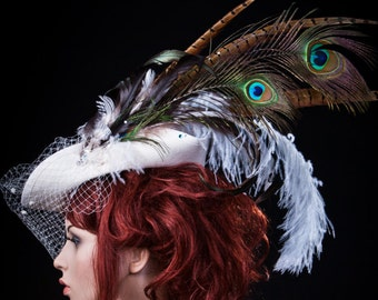 Fascinator - tricorn with feathers / / women