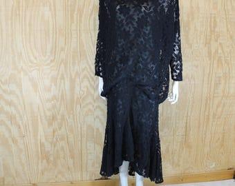 Vintage 1980's DIAMONOU Black Lace 1920's Inspired Drop Waist Mermaid Hem Tea Length Dress M / L