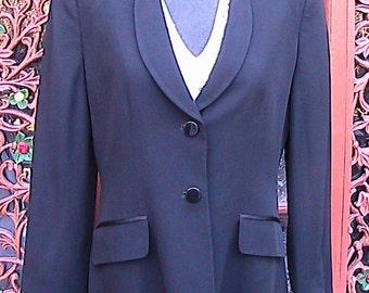 Size 6 Petite Two Button Blazer