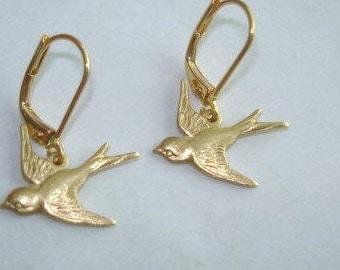 Bird Gold Tone  Dangle  Earrings